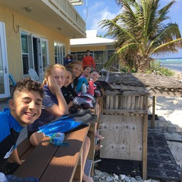 Seventh Graders Visit Central Caribbean Marine Institute